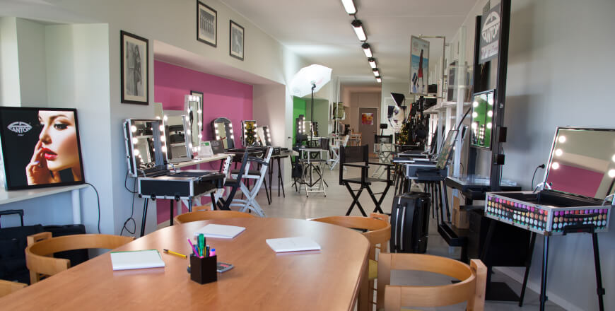 Showroom professionelle Make-up-Stationen von Cantoni